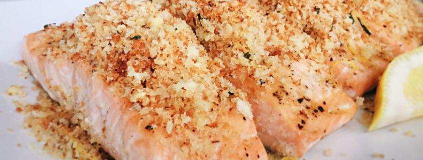 Salat von Sojabohnen und weißen Rüben mit gratiniertem Saiblingsfilet