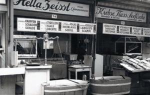 Der Fischstand der Familie Lämmermann-Meisinger-Zeissl in den 1960ern