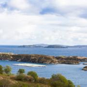 Schottischer Lachs wird im klaren Wasser unter besten Bedingungen aufgezogen