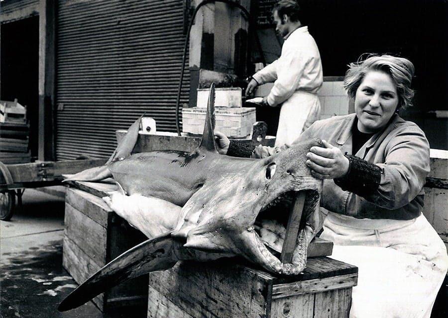 Hella Gruber und ein Heringshai (1960er/1970er)