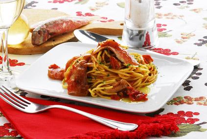 Bolognese von der Rotbarbe mit Tagliolini